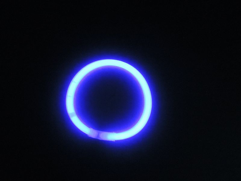 Svítící náramek 100ks - FIALOVÁ