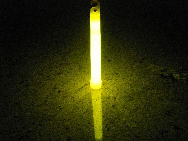 Svítící tyčinka Hanger 20 x 150 ŽLUTÝ (10 ks)