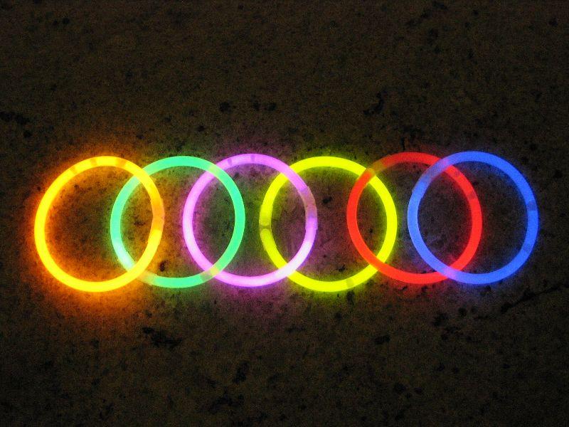 Svítící náramky 100ks MIX 6 BAREV